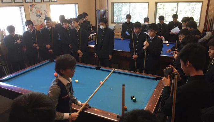 本日はアダムに高校生が工場見学に来てくれました。実演、指導は野内プロに担当してくれました。