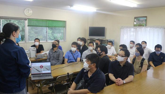 狭山市商工会議所青年部30名が工場見学しにきました